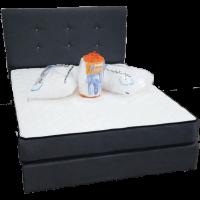 colchon con almohadas protector cabecero y base
